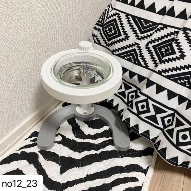 #Repost @no12_23 with @make_repost ・・・ . . . 高さ調節のできる フードボールスタンド🦴 . . 我が家はお水を入れて リビングと寝室に置いてます♡ . . @manmamiya_jp  . . . . #フードボール#フードボールスタンド#マンマミーヤ#リトルファクトリー#littlefactory#foodball#